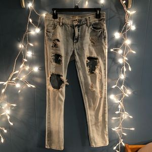 Bullhead denim distressed straight leg jeans